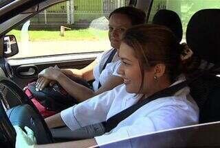 Dados mostram que mulher no trânsito traz mais segurança - O preconceito de que na direção elas são um perigo já ficou no retrovisor, pra trás. O que as estatísticas mostram é que, na verdade, a mulher no volante é sinônimo de segurança.