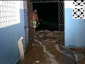 Ressaca causa estragos no Nordeste - Nos últimos dias, o Nordeste vêm enfrentando uma forte ressaca no mar. O Rio Grande do Norte e o Ceará são os estados mais atingidos. Uma pessoa morreu.