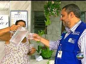 Moradores da Rua Arnaldo Damasceno já têm água - A equipe do RJ Móvel vai à Rua Arnaldo Damasceno Vieira, na Pavuna, para reclamar sobre a falta de água. Mas, desta vez, o problema foi resolvido e os cidadãos já desfrutam de uma rede de fornecimento.