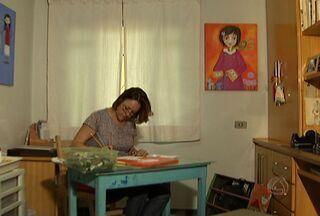 Artista plástica Paola Roma mostra seu trabalho no Canto das Artes - Artista há dez anos, Paola também é professora de artes. Ela explica que sua obra é lúdica, ou sejam tem foco no mundo dos sonhos e no colorido.
