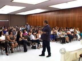 Educação dos filhos e conflitos familiares são discutidos em evento realizado em Cuiabá - Participam representantes de associações de terapia familiar de vários estados do país, incluindo Mato Grosso.