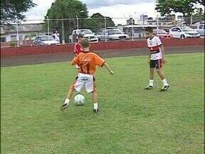 Garotos são selecionados em peneirão do São Paulo Futebol Clube - Os três jogadores são de Foz do Iguaçu e já sonham com a oportunidade de jogar no clube paulista