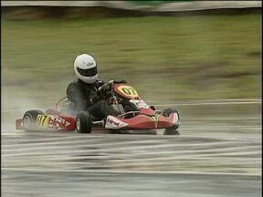 Dezenas de pilotos participam neste fim de semana da Copa Paraná de Kart - Essa é a primeira etapa e vale vaga para a Copa das Confederações.