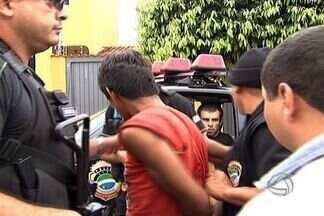Homem é preso por incendiar cinco veículos em Campo Grande - Um morador de rua foi preso por incendiar cinco veículos entre a noite de sexta (15) e sábado (16), em Campo Grande. As ações criminosas mobilizaram as forças policiais em três municípios do estado.
