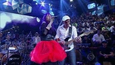 Baby do Brasil se apresenta com 'Sem pecado, sem juízo' - Cantora agita a plateia do Altas Horas com hit