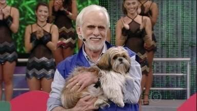 Francisco Cuoco e Balu mandam bem em número do Cachorrada VIP - O ator e sua cadelinha deram show de entrosamento no Domingão
