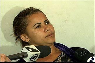 Casal é preso com 61kg de droga em ônibus que saiu de SP para o ES - Eles foram presos pela PRF na BR-101 em Guarapari.'Eu estava a fim do dinheiro, não de estragar minha vida', disse detida.