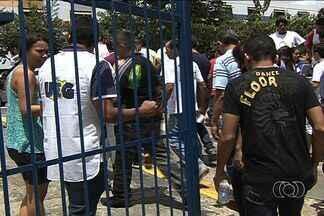 Candidatos fazem prova para agente da Polícia Civil, mas temem anulação - Candidatos ao cargo de agente da Polícia Civil de Goiás afirmaram que estão desconfiados quanto à seriedade do concurso. Eles temem que o exame seja anulado pela Justiça.