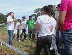 Pesquisadores da Embrapa projetam um futuro promissor para o mercado da soja em Rondônia - Dezoito variedades do grão já adaptadas para a região foram apresentadas em Ariquemes, no Dia de Campo.