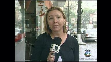 Maria Valente dá notícias da chuva em Petrópolis - Enchente já matou dez pessoas na cidade