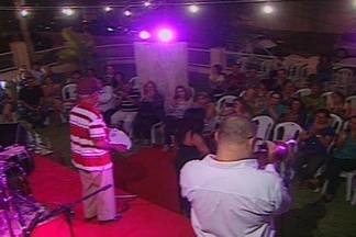 Secretaria de Cultura de Campina Grande homenageia as mulheres cantoras - Veja como foi noite de shows e homenagens às mulheres estrelas.