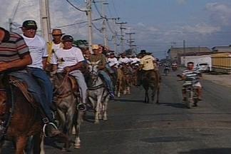 Centenas de cavaleiros e amazonas participam da 18ª Cavalgada de São José da Mata - Veja como foi a cavalgada.