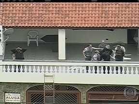 Pesquisa mostra como evitar assaltos - A Polícia Militar de São Paulo realizou um levantamento com policiais, vítimas de roubos e até criminosos. A pesquisa revela a maneira mais adequada de evitar assaltos e mostra o que os bandidos temem.