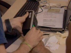 Em Teresina o cadastro biométrico dos eleitores já começou - O TRE orienta os eleitores a comparecerem ao cartório eleitoral portando título de eleitor, documento de identidade oficial com foto e comprovante de residência atualizado.