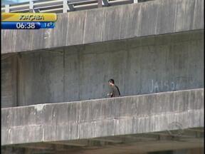Capitania dos Portos emite alerta para que embarcações não passem sob passarela das pontes - Capitania dos Portos emite alerta para que embarcações não passem sob passarela das pontes