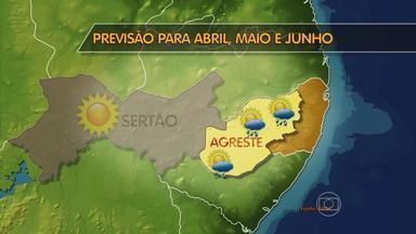 Meteorologistas apontam que estiagem deve persistir em Pernambuco - Governador se comprometeu a construir, até o fim de 2014, 60 mil cisternas. Ação deixaria 100% das casas do semiárido abastecidas.
