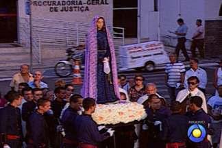Fiéis católicos participam da tradicional Procissão do Encontro em João Pessoa - Por causa da missa e da procissão, repartições municipais terão expediente reduzido.