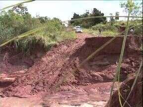 Moradores de Nova Olímpia e Cidade Gaúcha tentam reconstruir os estragos da chuva - Depois de uma semana de chuva intensa, é hora de arrumar o que a chuva destruiu nas duas cidades.