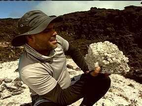 Cristais, mistérios e miticismo fazem do Roraima uma montanha mágica - No Vale dos Cristais, as pedras brotam das rochas, e estudiosos de esoterismo afirmam que elas possuem força mágica, e que o Monte Roraima possui um mundo subterrâneo.