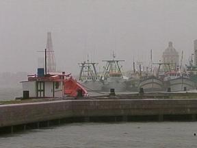Permanece em suspense as operações no porto de Rio Grande, RS - Por causa do mal tempo as entradas de navios estão canceladas.