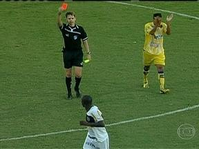 Seedorf é expulso na vitória do Botafogo sobre o Madureira - O holandês foi expulso pela segunda vez em sua carreira., em partida pela Taça Rio. No Baiano o Juazeiro perdeu para o Vitória, enquanto o Juazeirense foi derrotado pelo Bahia. O Goiás goleou o Goianésia.