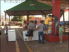 Começou em Toledo a Feira do Peixe - São três pontos de venda. Na Pioneira, no Centro e no Coopagro.
