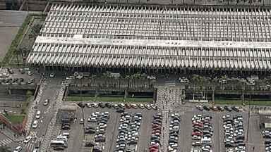 Rodoviária e Estação José Cândido da Silveira operam em esquema especial no feriado - Mais de 50 mil pessoas devem deixar Belo Horizonte na Semana Santa.