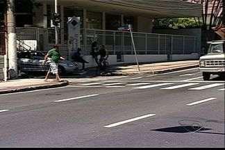 Especialista do ES comenta falta de sincronia nos semáforos de Vitória - Arquiteta percorreu alguns locais e apontou melhorias que podem ser feitas.