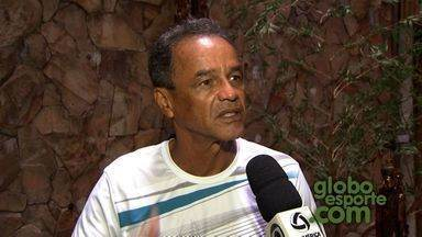 Roberval Davino fala da preparação do Luverdense para jogo em Cuiabá - Em entrevista com o técnico Roberval Davino, falamos também com alguns jogadores e também com o zagueiro José Roberto.