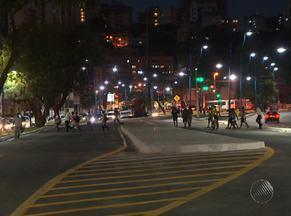 Avenida Vasco da Gama tem novo fluxo de trânsito - Após obras, canal entre pistas foi coberto para dar lugar a uma via exclusiva para ônibus.