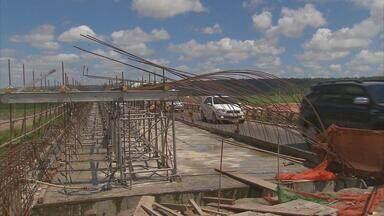 Tráfego é liberado ao meio-dia sobre o canal de Goiana, na BR-101 - Obras de duplicação da ponte nova e no acostamento continuarão sendo feitas, de acordo com o Comando Militar do Nordeste.