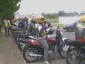 Mototaxistas pedem regularização da profissão em Manacapuru, no AM - Categoria entrou com uma representação no Ministério PúblicoAndrezza