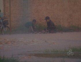 Menino cai em bueiro durante uma forte chuva em Vilhena - Chuva que durou cerca de duas horas, deixou caos na cidade.
