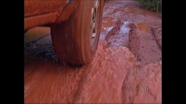 Motoristas cobram pavimentação em rodovia no sul de MT - Motoristas que passam pela MT459, conhecida Rodovia do Leite, localizada no sul de Mato Grosso, reclamam que a região é problemática e cobram pavimentação.