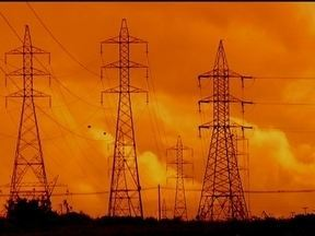 Apagões são rotina no DF - Na segunda reportagem da série sobre energia elétrica, veja os motivos pelos quais acontecem tantos apagões no Distrito Federal. O sucateamento da rede elétrica é um dos motivos.
