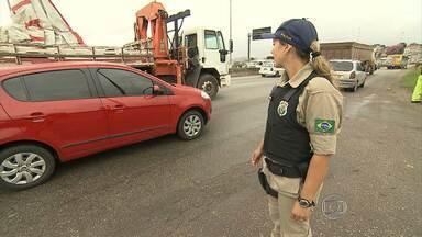 Estradas e rodoviárias ficam lotadas no feriado da Semana Santa - Maior movimento foi registrado nesta quinta