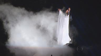 Globo Nordeste exibe no sábado especial sobre a Paixão de Nova Jerusalém - Cid Moreira faz participação no programa, que mostra a traição que levou Jesus à cruz.