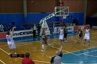 Brasília e Pinheiros fazem duelo quente na NBB - Com cesta de Três no final, Pinheiros fica com a vitória