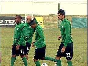 Coritiba muda bastante para jogo com Arapongas - Série de desfalques leva Marquinhos Santos a mexer em meio time