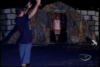Atores de auto da Paixão de Cristo em São Mateus, ES, fazem último ensaio - Apresentações ocorrem em todo o estado.