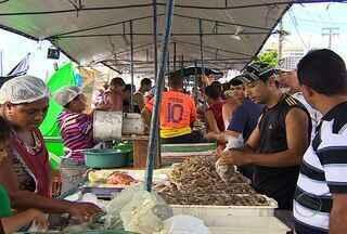 Tradição de comer peixe na Semana Santa faz aumentar a procura de ultima hora - O peixe é um dos pratos indispensável na Semana Santa e por isso a procura de ultima hora sempre acontece. Os feirantes aprovaram o resultado das vendas.