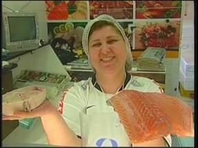 Mercado do Peixe de Itajaí vende 70% mais neste período de Páscoa - Itajaí é referência regional do pescado e neste período do ano, os comerciantes do Mercado do Peixe comemoram o aumento de 70% nas vendas.
