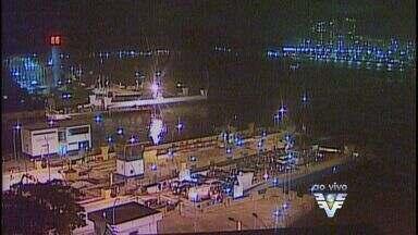 Situação da fila da balsa para travessia de Santos para Guarujá é tranquila - Sete balsas estão operando e o tempo de espera é de 15 minutos.
