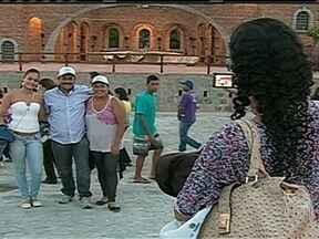 Milhares de turistas movimentam economia em Nova Jerusalém - A Paixão de Cristo de Nova Jerusalém, no interior de Oernambuco, atrai turistas de todo o país. O espetáculo ajuda também a movimentar a economia da região.