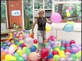 Mc Bola faz funk especial para Ana Maria: 'Ela é top, capa de revista' - Dono do hit 'Ela é Top' faz versão exclusiva para a aniversariante