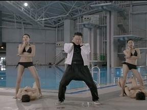 """""""É uma tragédia, somos o único país dividido"""", diz Psy sobre tensão entre Coreias - O show de lançamento da nova música de Psy parou a Coreia do Sul. Na entrevista, pouco antes do show, Psy comentou o ambiente de tensão entre os dois países: """"É uma tragédia. Nós somos o único país dividido""""."""