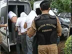 Advogados de presos por pirataria em Apucarana devem pedir soltura dos acusados - Mais de 20 pessoas passaram o fim de semana na cadeia.