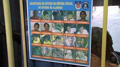 Polícia Civil vai afixar cartazes com fotos de assaltantes nos ônibus - Objetivo da ação é para a população reconhecer criminosos e denunciá-los.