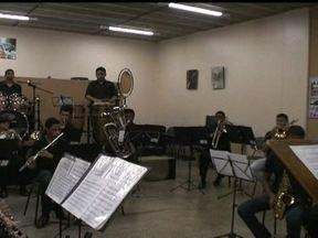 Parceiro do DF mostra a banda sinfônica de Sobradinho - A banda sinfônica de Sobradinho tem conquistado cada dia mais músicos, públicos e prêmios. Os parceiros do DF, Lais Santos e Mateus Santana, mostraram o ensaio da banda.