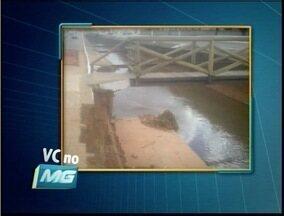 VC no MG: Telespectador reclamam de situação de ponte - A ponte cedeu e está comprometida.